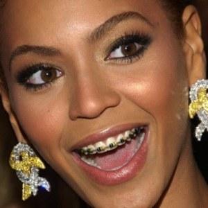Beyoncé   Brackets metàl·lics